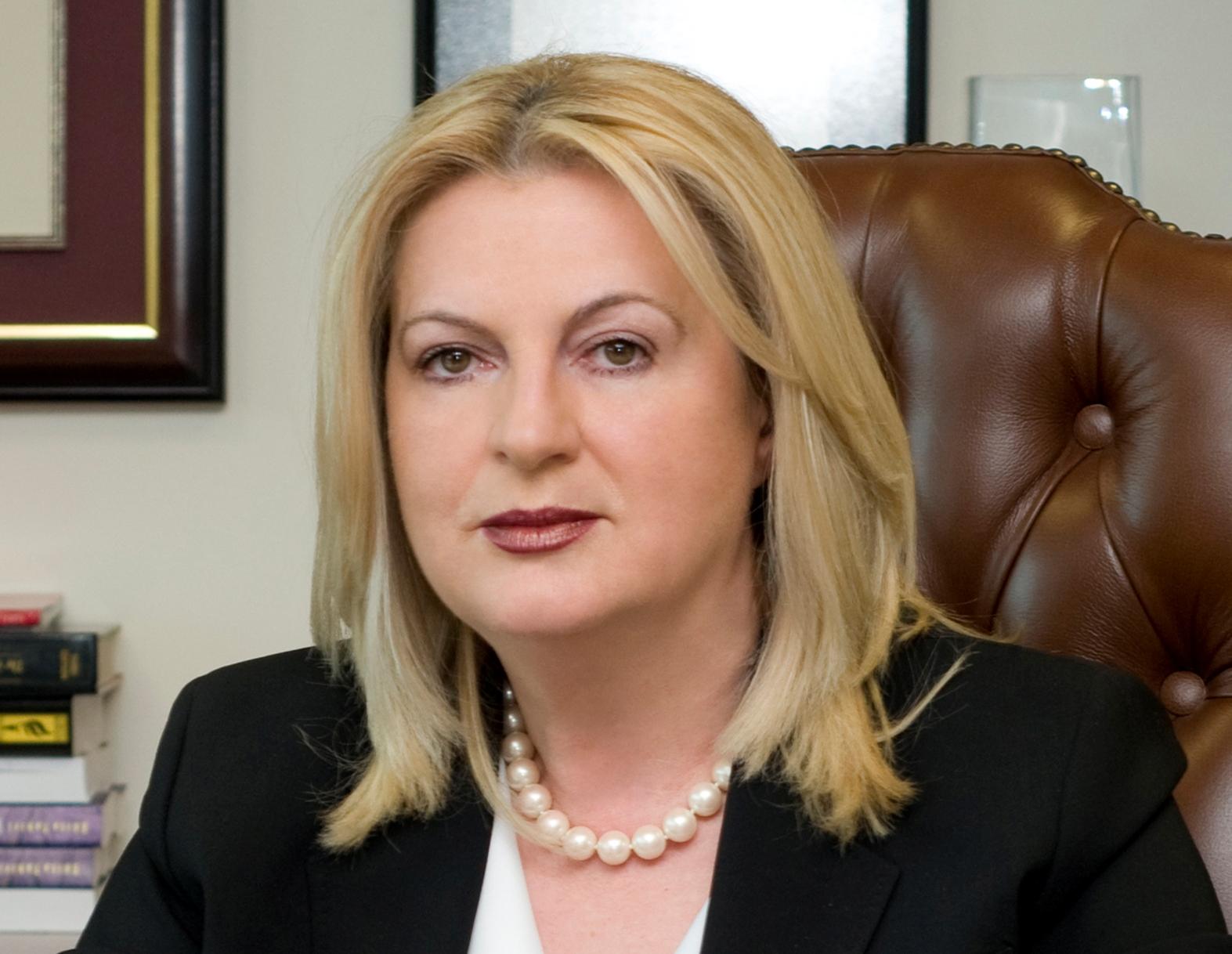 Dr. Edita Tahiri